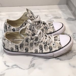 Women's converse pineapple drawing size 9